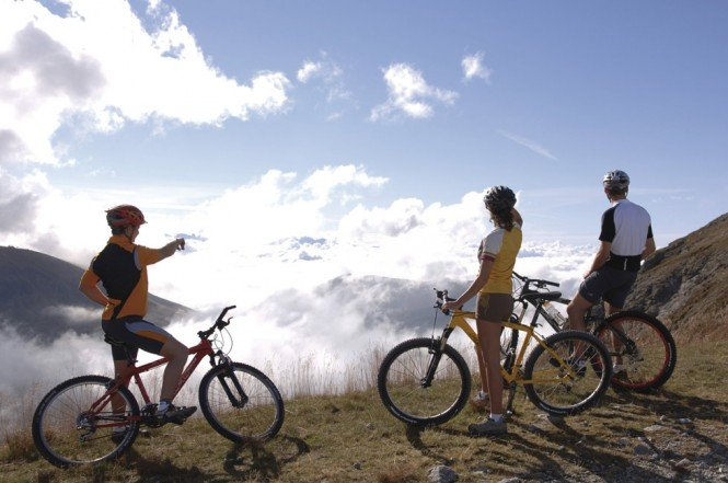 Mountainbike, downhill, paragliding: pure variety at Plan de Corones